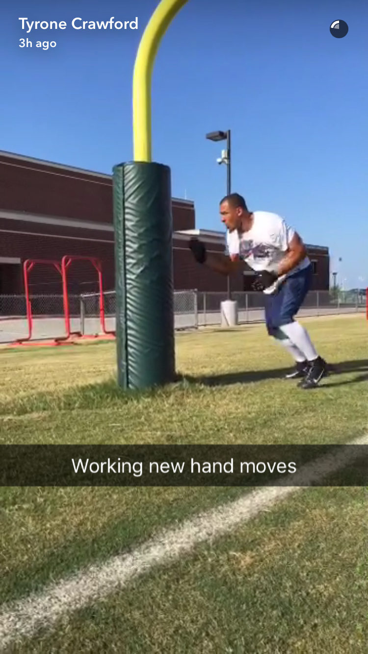 """Cowboys Headlines - PHOTO: Cowboys Pass Rusher Tyrone Crawford """"Working New Hand Moves"""" 1"""