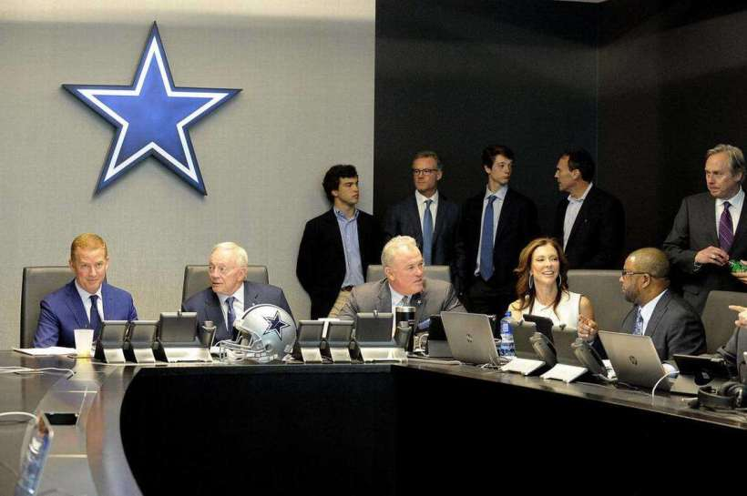 Cowboys 2017 Disappointment Began with Free Agency