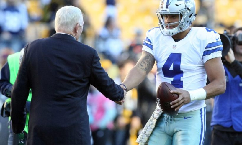 """Jerry Jones Weighs in on Cowboys Need for """"Dak-Friendly"""" Offense"""