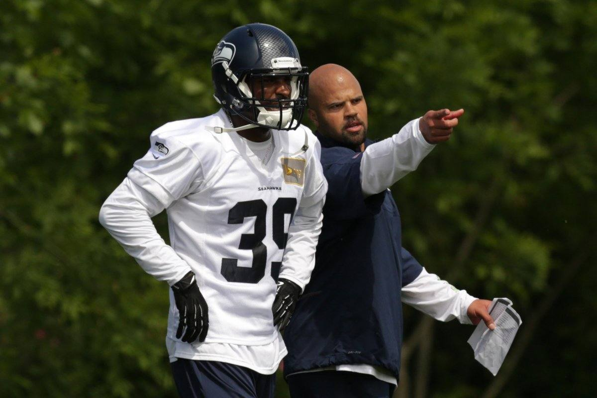 Bmartin_dallas-cowboys_cowboys-expected-to-sign-former-seahawks-lb-eric-pinkins