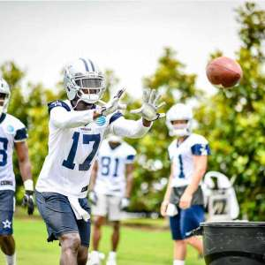 Cowboys Offense Finds Rhythm to End Minicamp, Hurns and Gallup Stand Out