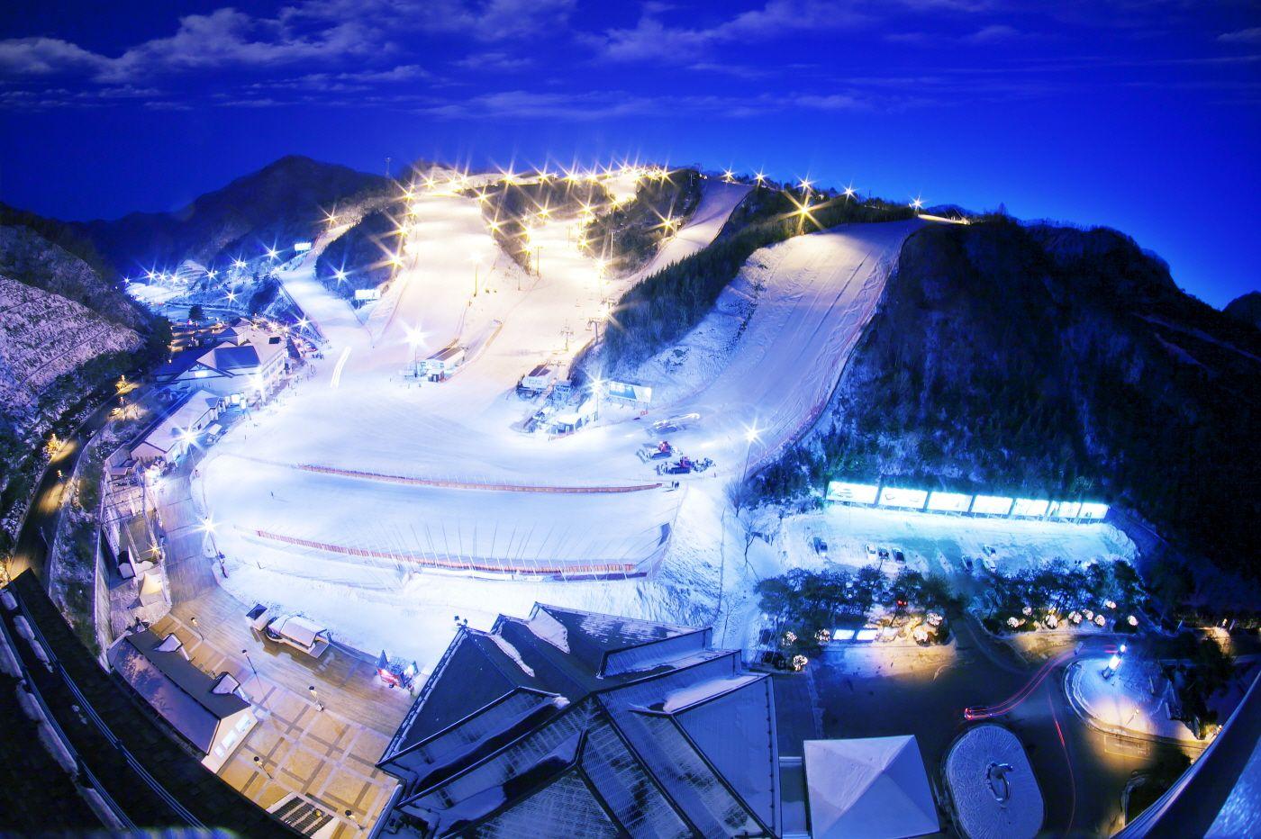 (冬季) 南怡島 + 伊利希安江村滑雪度假村一日游 - 케이투어스토리