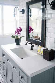 03 Modern Farmhouse Master Bathroom Remodel Ideas