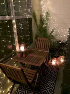 07 Cozy Apartment Balcony Decorating Ideas