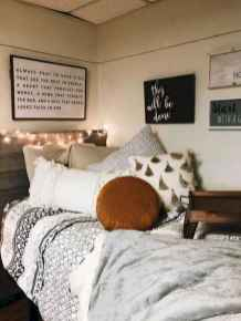 08 Cute Dorm Room Decorating Ideas on A Budget