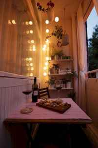 09 Cozy Apartment Balcony Decorating Ideas