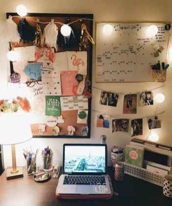 15 Cute Dorm Room Decorating Ideas on A Budget