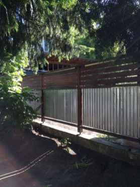29 DIY Backyard Privacy Fence Design Ideas on A Budget