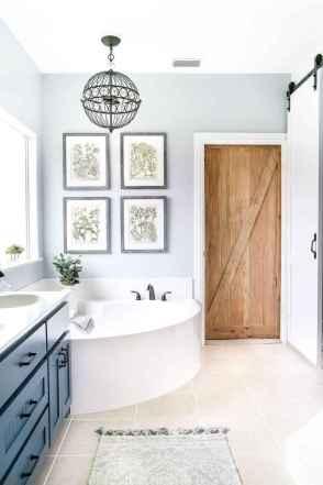 10 Beautiful Master Bathroom Ideas