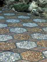 11 Beautiful DIY Mosaic Garden Path Decorations For Your Landscape Inspiration