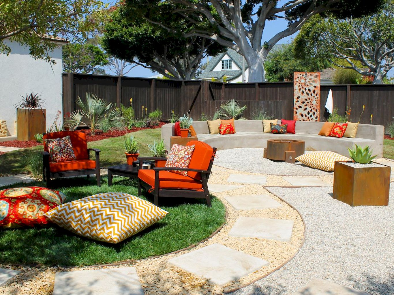 11 Easy Backyard Fire Pit with Cozy Seating Area Ideas