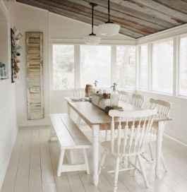 18 Cozy Farmhouse Sunroom Decor Ideas