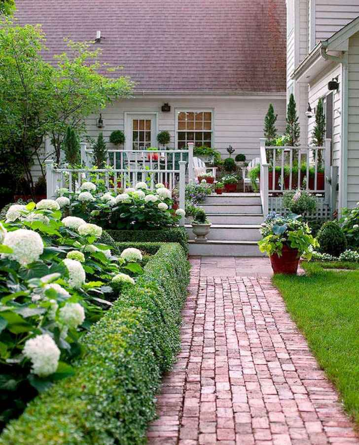 19 Fabulous Garden Path and Walkway for Front and Backyard Ideas