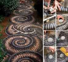 33 Beautiful DIY Mosaic Garden Path Decorations For Your Landscape Inspiration