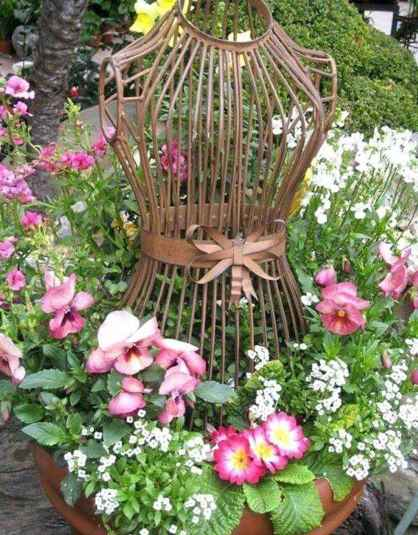 35 Excellent DIY Mosaic Garden Decoration Ideas for Front and Backyard Landscaping