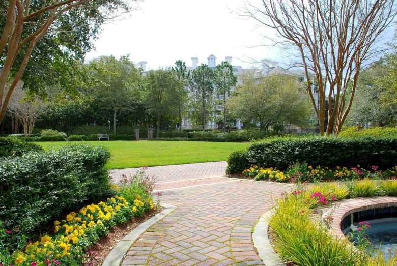 41 Fabulous Garden Path and Walkway for Front and Backyard Ideas