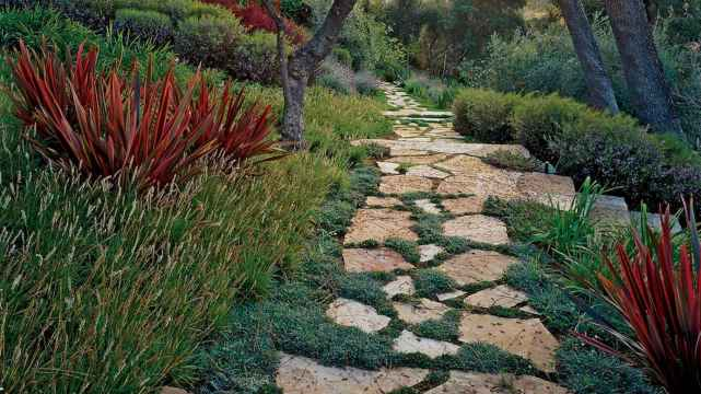 49 Fabulous Garden Path and Walkway for Front and Backyard Ideas
