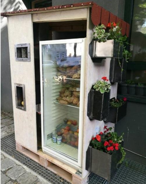 community fridge wroclaw 1