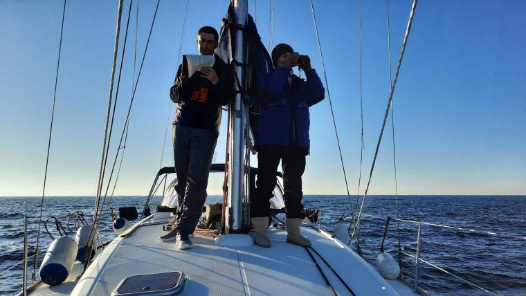 Dimitar Popov Gallinula Meshkova counting dolphins in the black sea