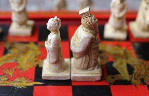 chess pieces divorcing