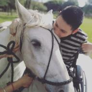 Agustin, 18 anos - Argentina, Paralisia cerebral