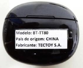 Os fones Bluetooth® que acompanham um celular da TecToy®