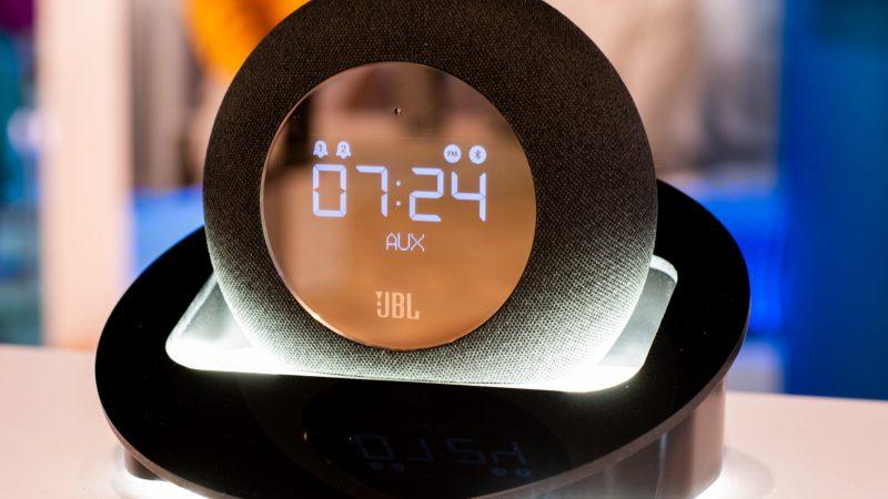 Um despertador JBL by Harman®