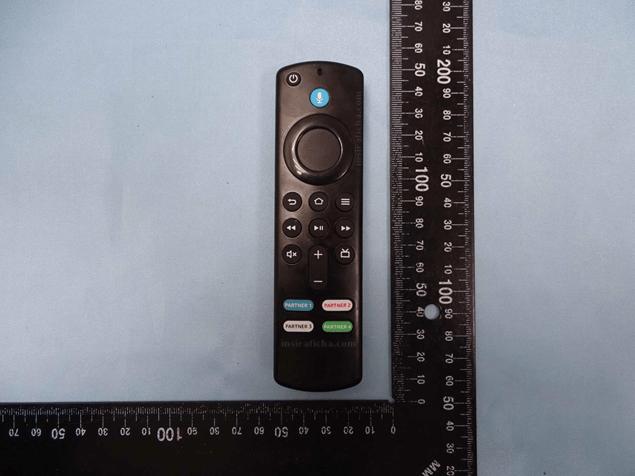 Revisitamos o Amazon L5B83G: controle remoto da Amazon com atalhos de streaming!