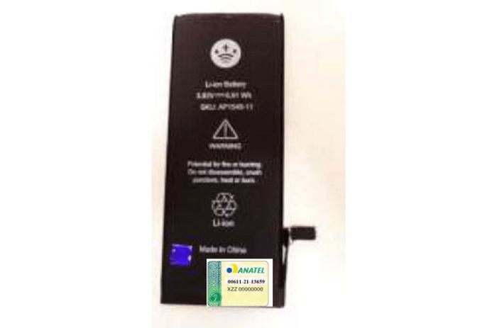 Uma bateria paralela de iPhone passa na Anatel