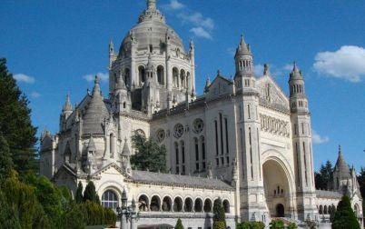 Le Clos de la Risle : Basilique Sainte-Thérèse de Lisieux