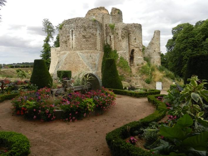 Le Clos de la Risle : vieux Donjon de Conches ©CT