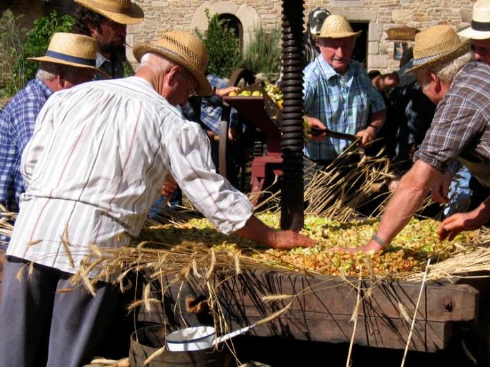 Pressage à l'Ancienne - Fête de la Pomme - Conches