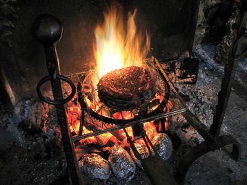 Repas au feu de bois