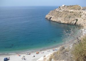 Playa de la Rijana - https://commons.wikimedia.org/wiki/File:Playa_de_La_Rijana._Granada.JPG