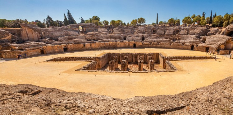 Amphitheatre at Italica. Image by Paul van der Werf on Flickr.com under https://creativecommons.org/licenses/by/2.0/