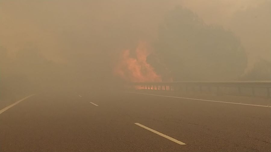 Fire as seen from car caught on AP-7