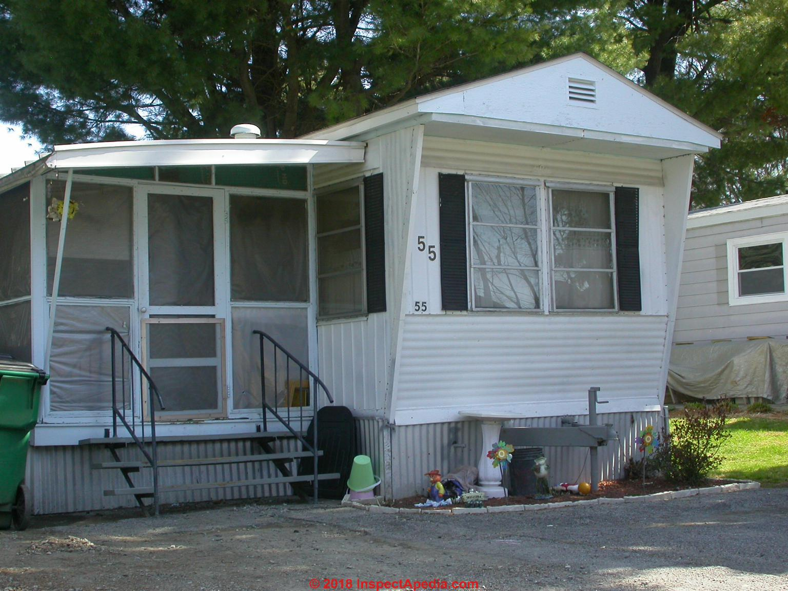 hight resolution of attached porch on a mobile home c inspectapedia com daniel friedman at inspectapedia