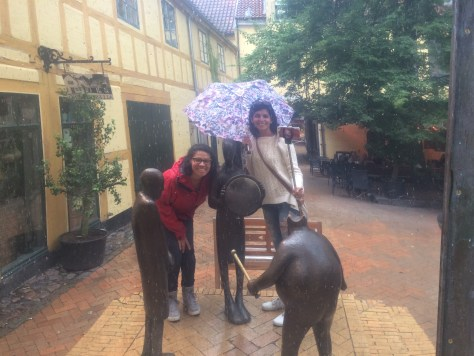 Raining a lot but still, we managed to do the sculpture search. Here, we're with the Emperor and his new clothes.