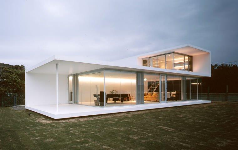 square accent minimalist house