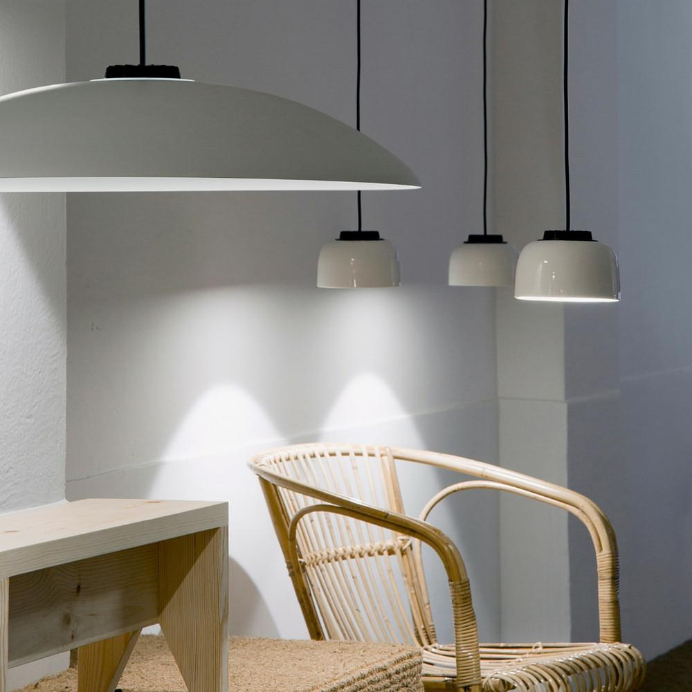 headhat ceramic pendant lamp with mettallic touch