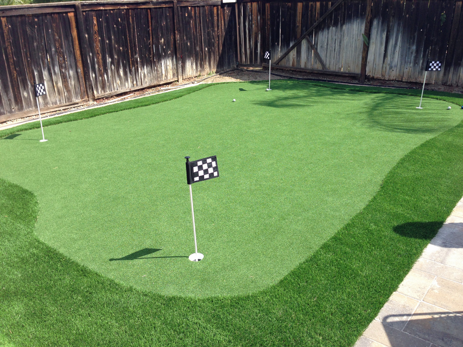 backyard putting green ideas