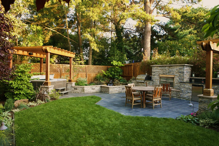 design of your own outdoor dining area