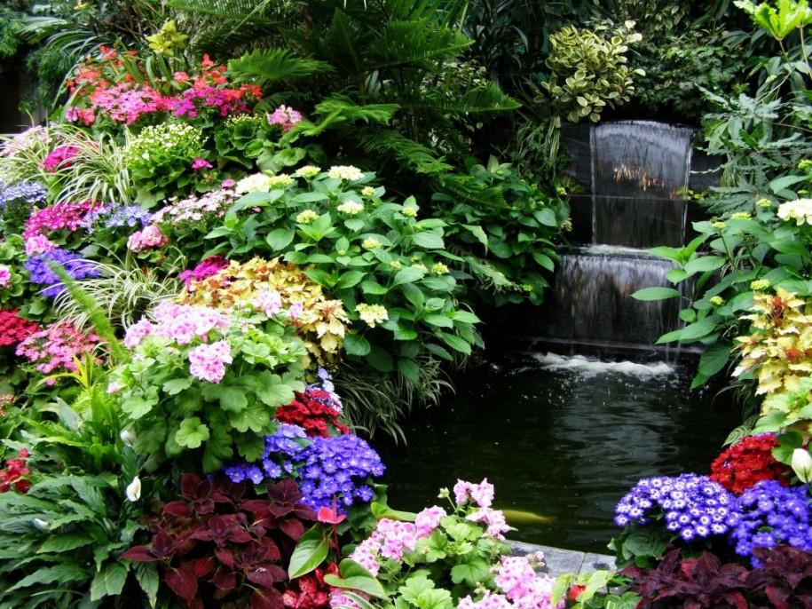 green flower garden ideas