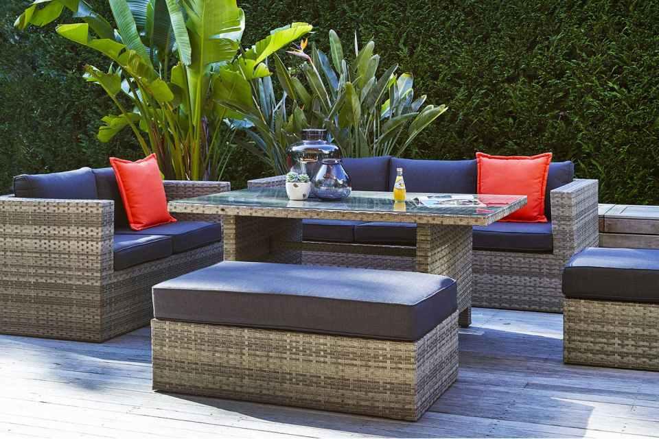 outdoor lounge design backyard