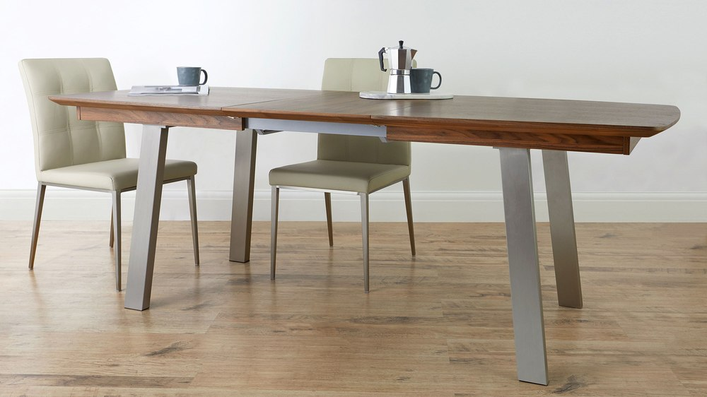 model of extendable table