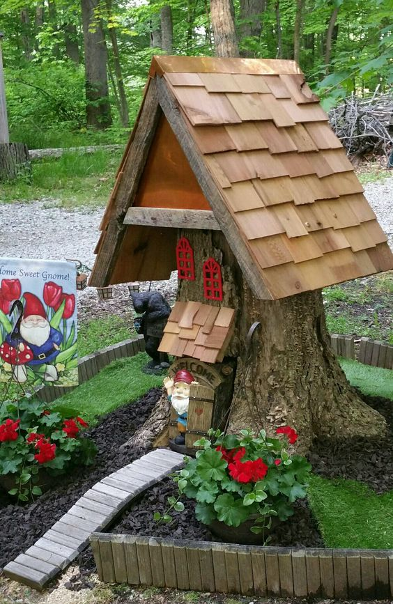 ornament gnome house from a tree stump