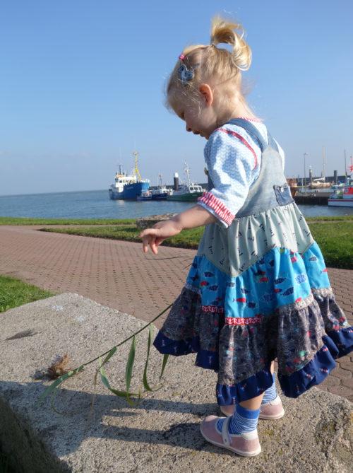 SASHA - genäht aus Stoffen der on the open sea Kollektion von Lila Lotta / Swafing - Webbänder farbenmix