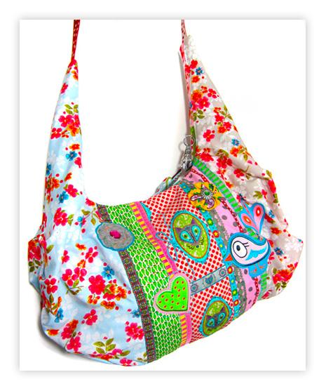 Sabine von Farbenmix hat eine kunterbunte Faltentasche AS genäht - Ebook neu bei farbenmix