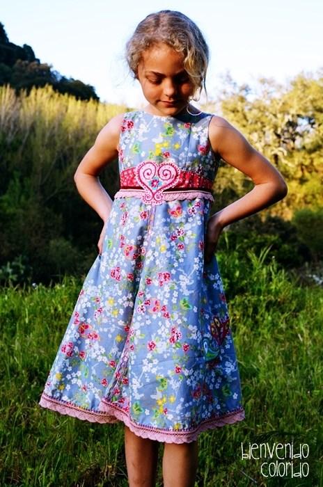 Einschulungskleid nähen - ein Beispiel von bienvenido colorido Schnittmuster farbenmix UNIQUE