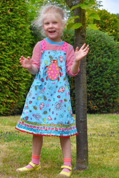 Trägerkleid nähen für Kinder mit Schnittmuster von farbenmix